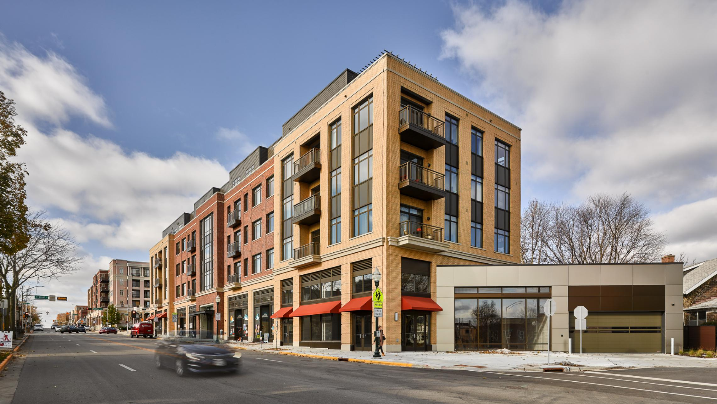 1722-Monroe-Apartments-Madison-Views-Balcony-Upscale-Modern-Capitol