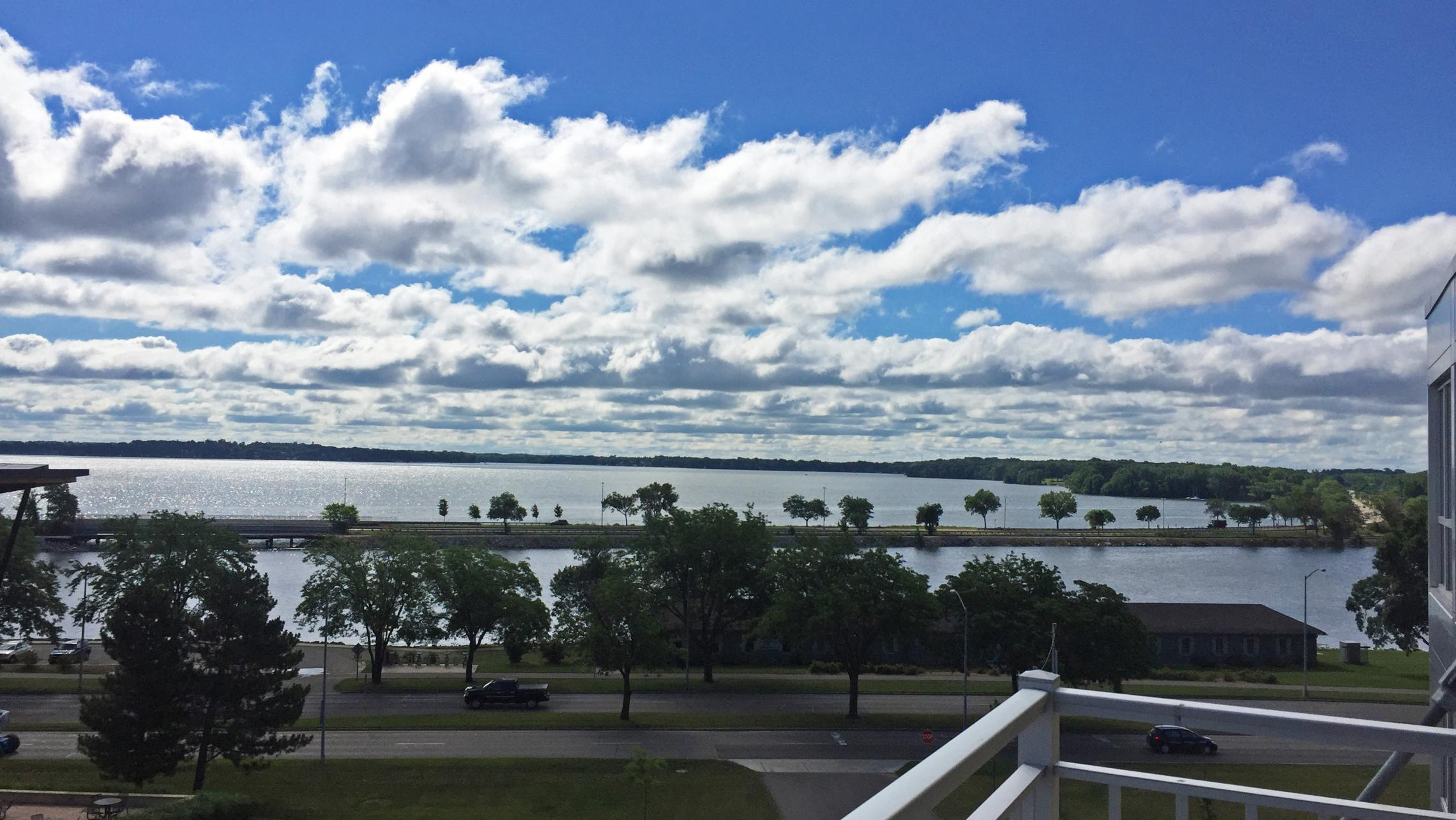 ULI Nine Line 523 - Lake Monona View