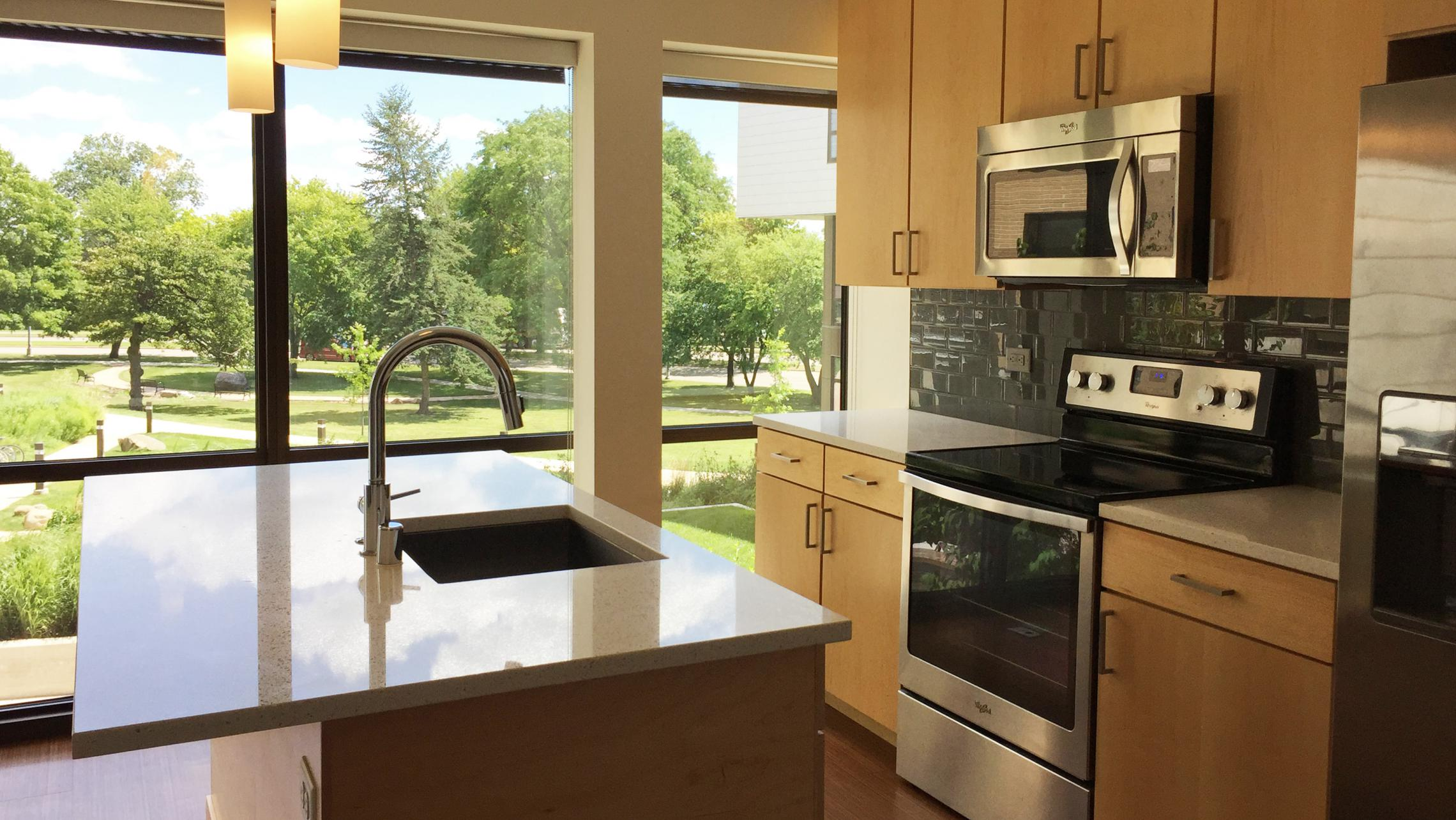 ULI Seven27 Apartment 217 - Kitchen with a Park View