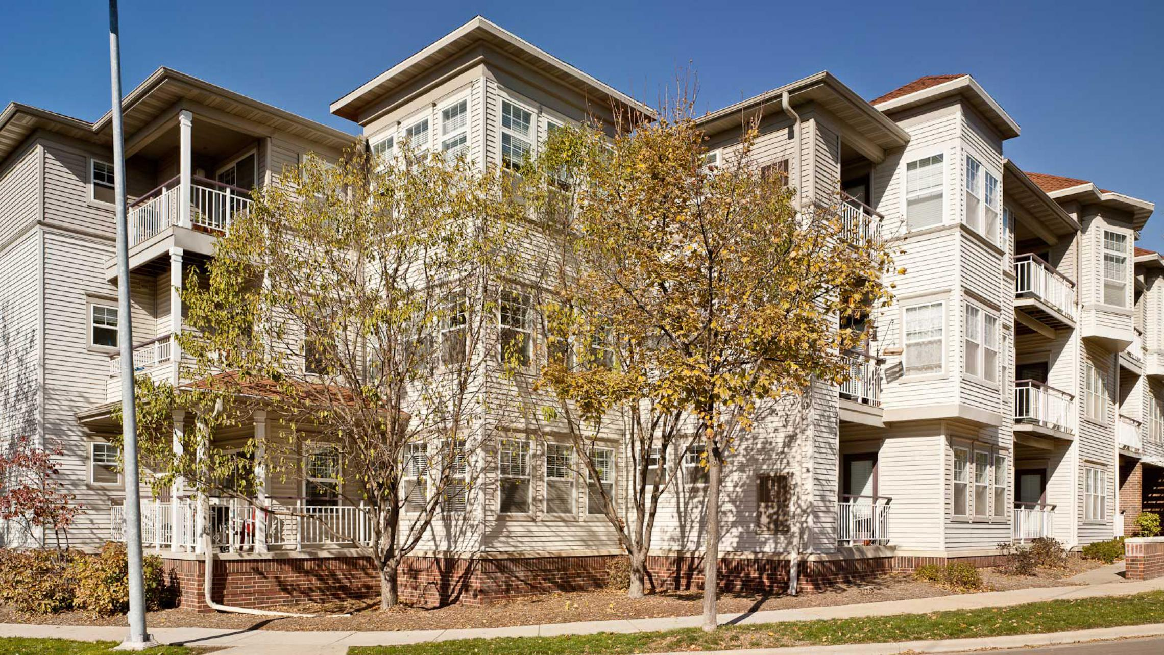 ULI Wilson Bay Apartments - Building Exterior