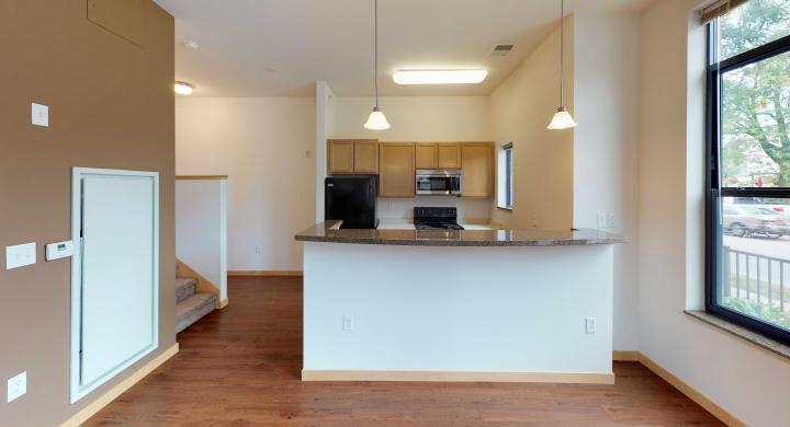 The-Depot-Town-home-3-602-Kitchen-Downtown-Apartment-Madsion.jpg